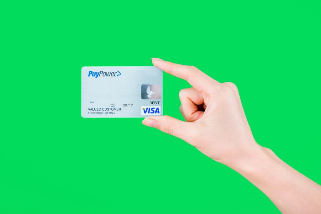 公共料金などの固定費支払いはクレジットカード払いへ変更