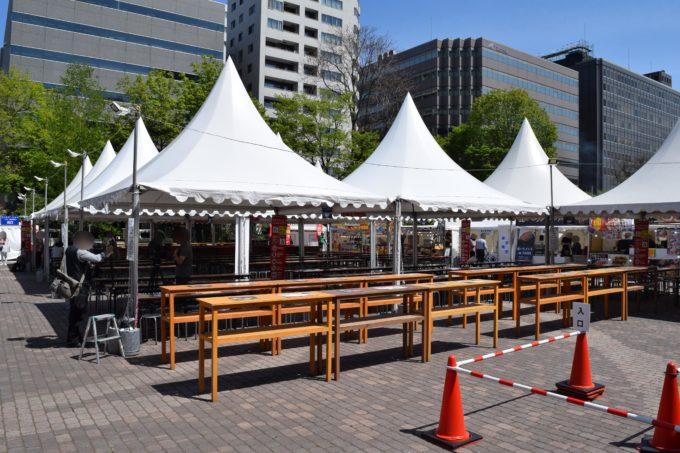 ラーメンショー会場中央にある飲食スペース