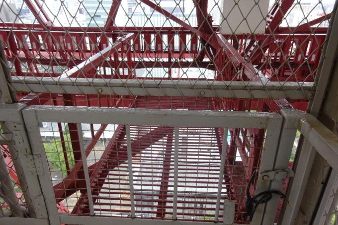 さっぽろテレビ塔設備点検用の通路
