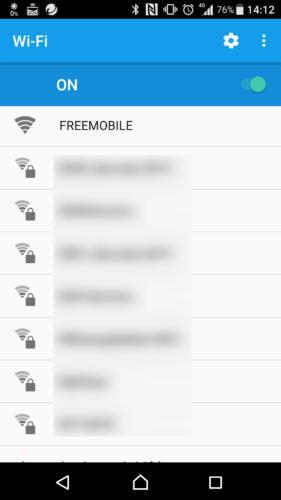SSID「FREEMOBILE」を選択。