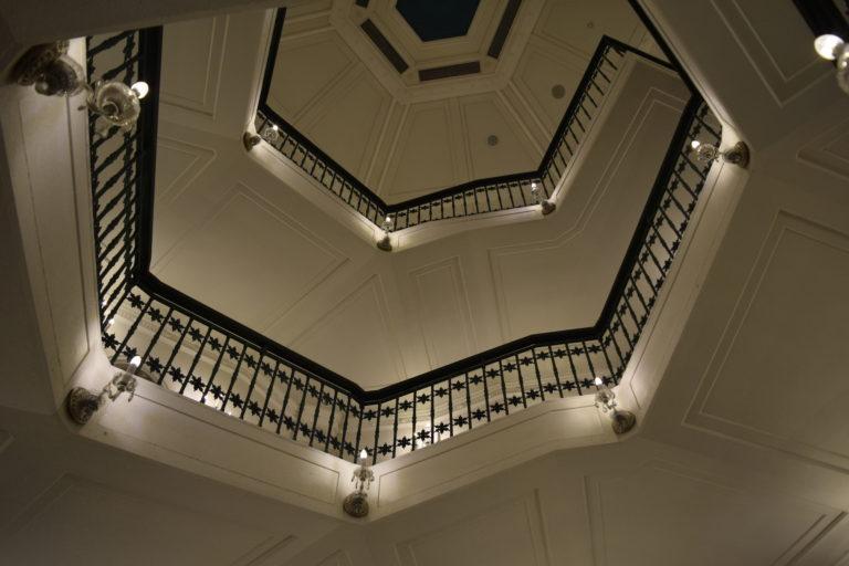 雪の美術館螺旋階段