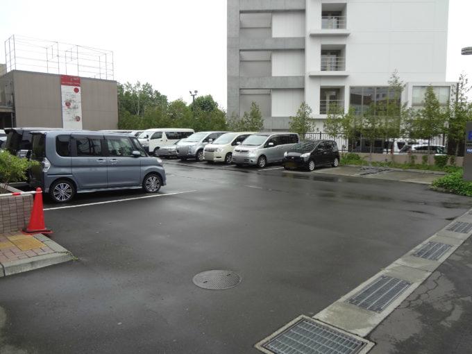 普通車駐車場(防災センター裏)