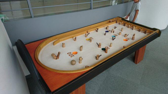 木製のピンボール