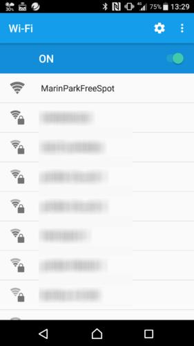 SSID「MarinParkFreeSpot」を選択。