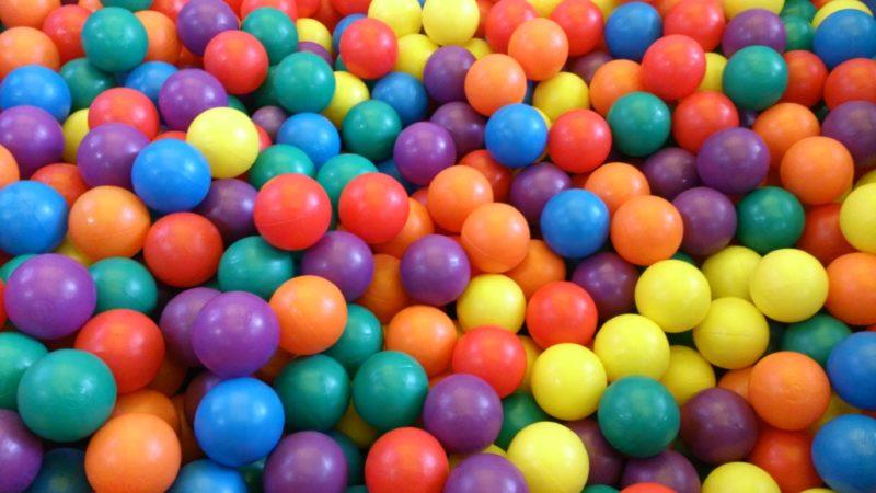 カラフルなボール