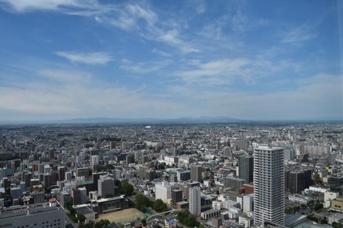 展望室T38から360℃パノラマで札幌を眺望