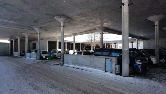 P2駐車場100台