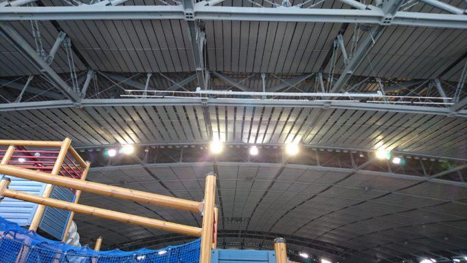札幌ドームの天井がこんなに近い