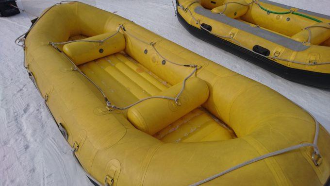 ラフティングボート