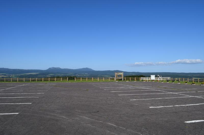 900草原の無料駐車場