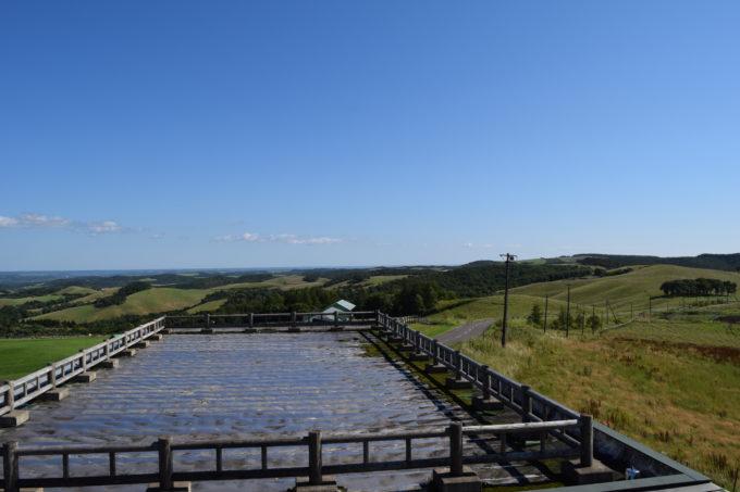 太平洋方面。奥には釧路湿原。
