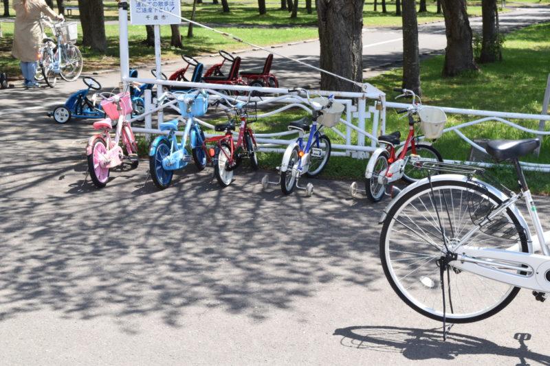 子供用の自転車は補助輪ありと補助輪なしの2種類