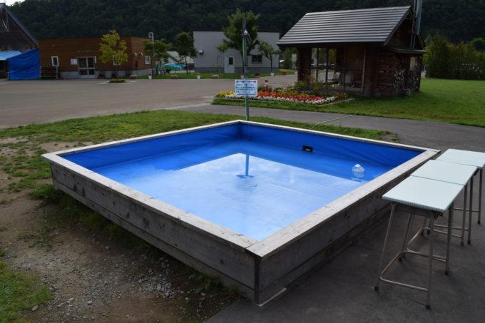 正方形型の水遊び場