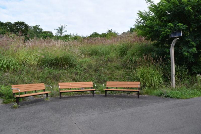 見晴らし台のベンチ