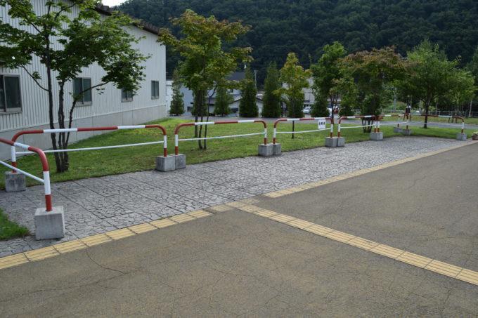 駐車場・バス停付近の駐輪場