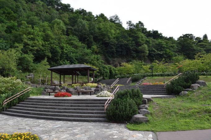 五天山麓のパークゴルフ場側の休憩所