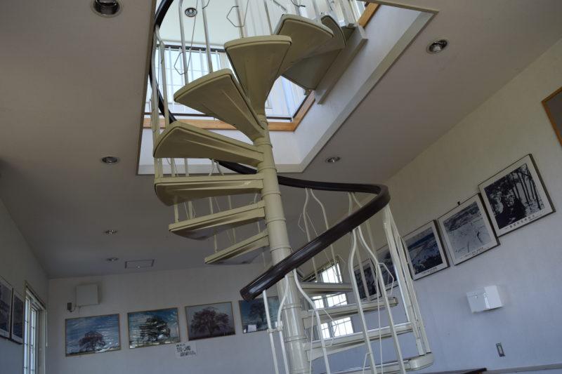 2階へ通ずる螺旋階段