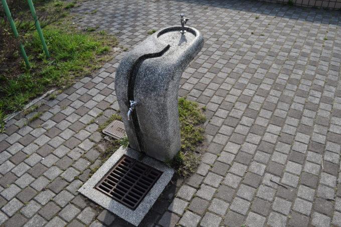 水遊び場(遊水路)横の手洗い場・水飲み場