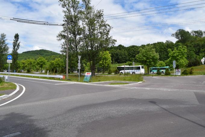 南口駐車場と砂川SAスマートICの分岐点
