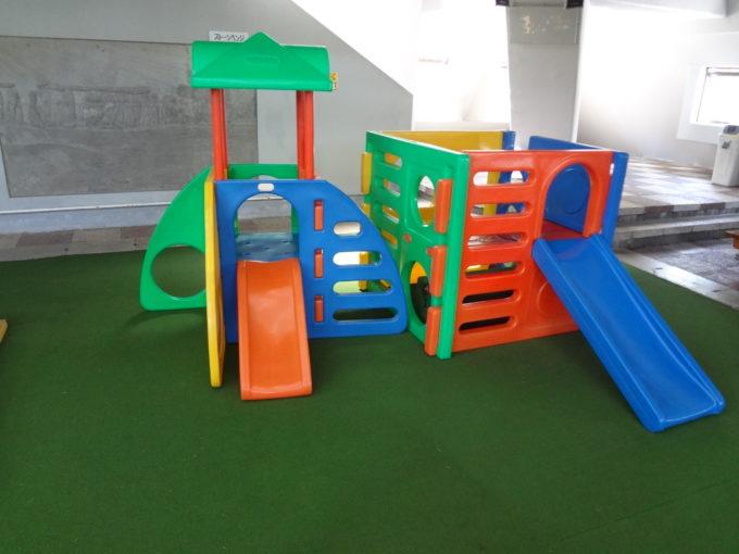 幼児用のコンビネーション遊具