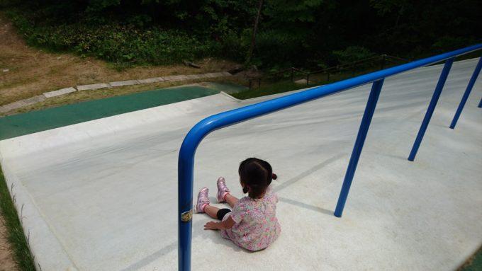 ジャンボ滑り台