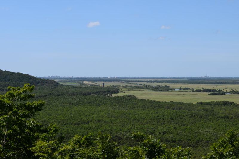 細岡展望台からの釧路市街と岩保木水門方面