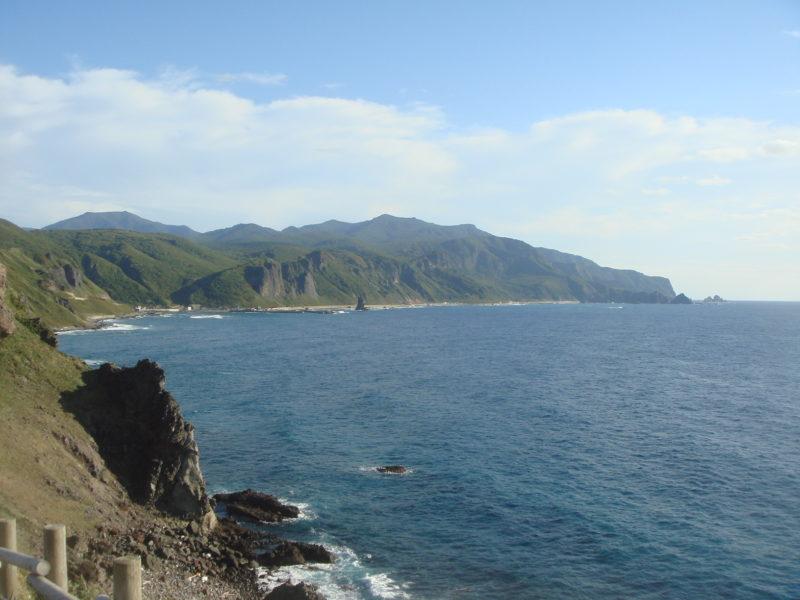 神威岬から沼前岬方面