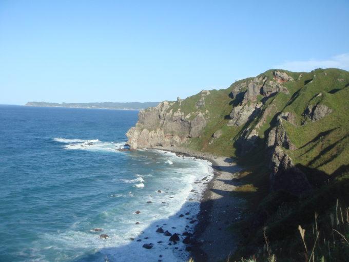神威岬からワリシリ岬方面