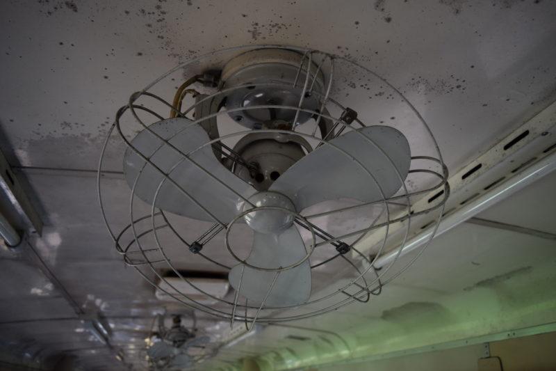 天井にある扇風機