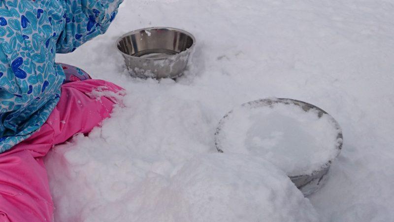 ステンレスボウルを使う雪だるま作り