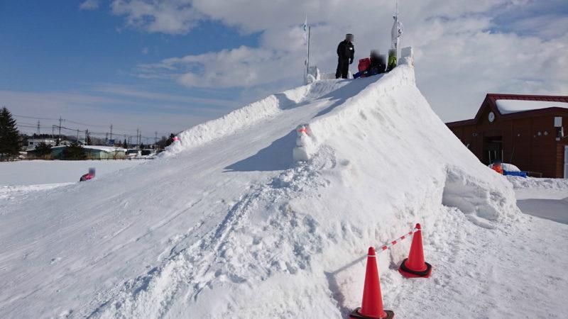 2016年の雪山滑り台