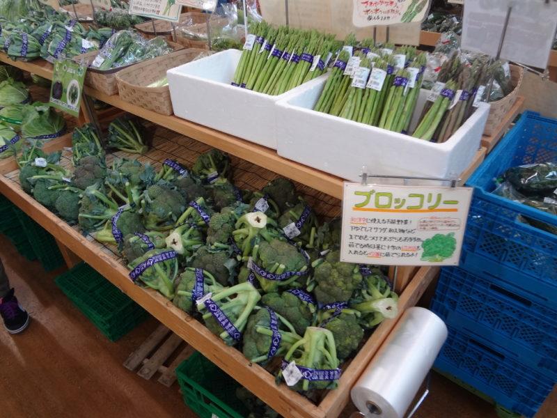 日頃使う野菜の調理方法や保存方法といった手書きのPOP