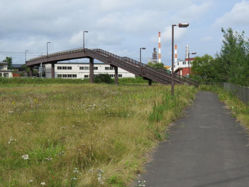 西港臨海公園の付近にある新富士通へ抜ける歩道橋