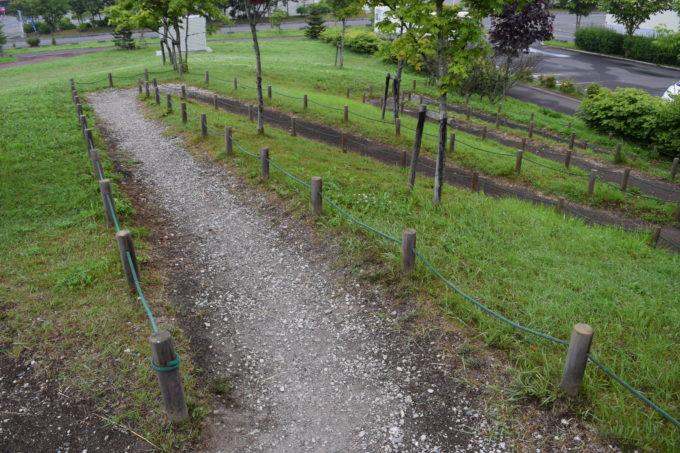 昭和の丘にはスロープ