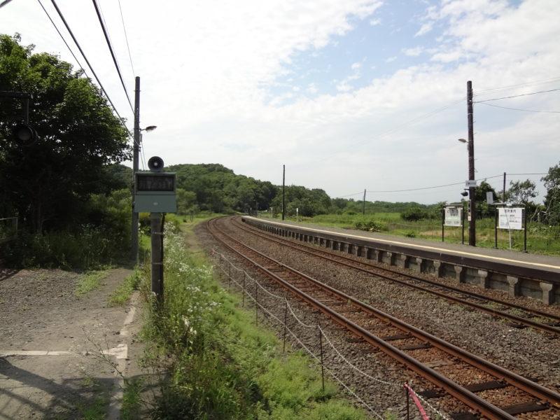 塘路駅ホームの釧路方向