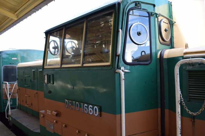 牽引機関車