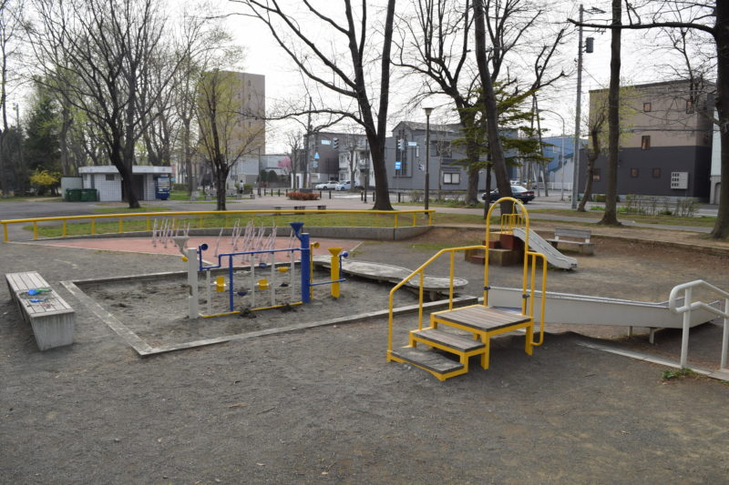 小さい子の遊具広場
