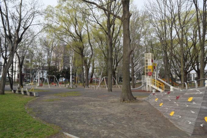 大きい子の遊具広場