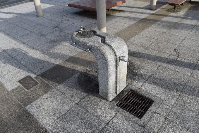 遊具広場側の手洗い場・水飲み場