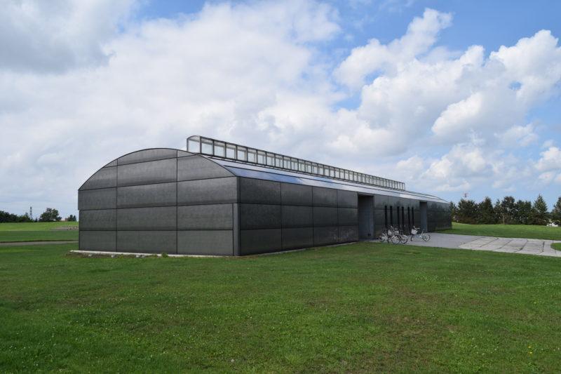 陸上競技場の管理棟