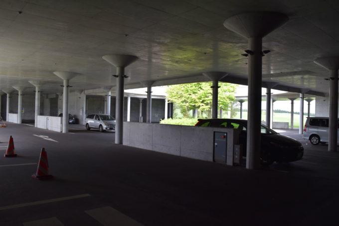 P2駐車場は歩行困難者優先駐車場
