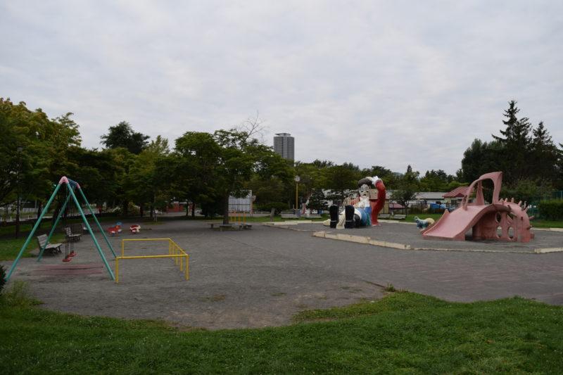 農試公園遊具広場