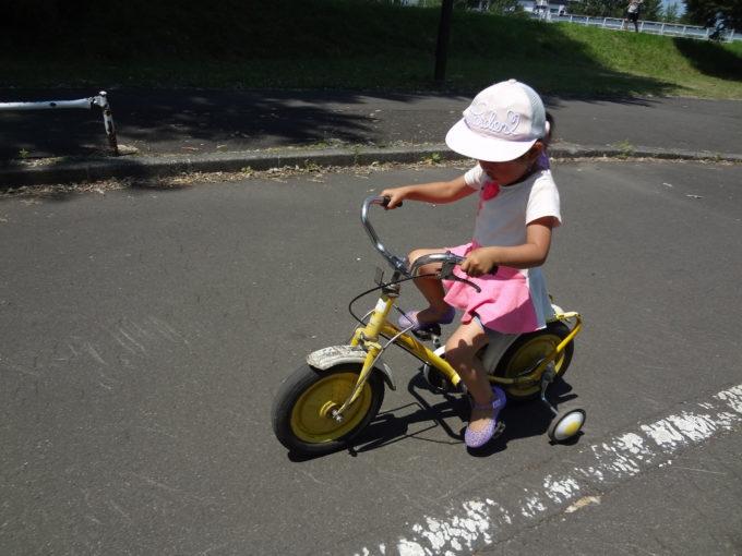 一番小さい補助輪付き自転車