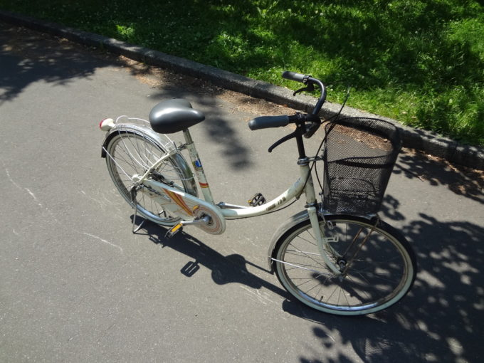大人用の自転車