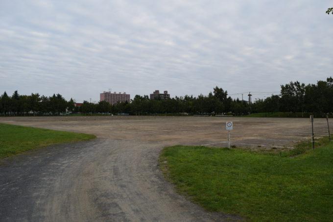 農試公園の多目的広場