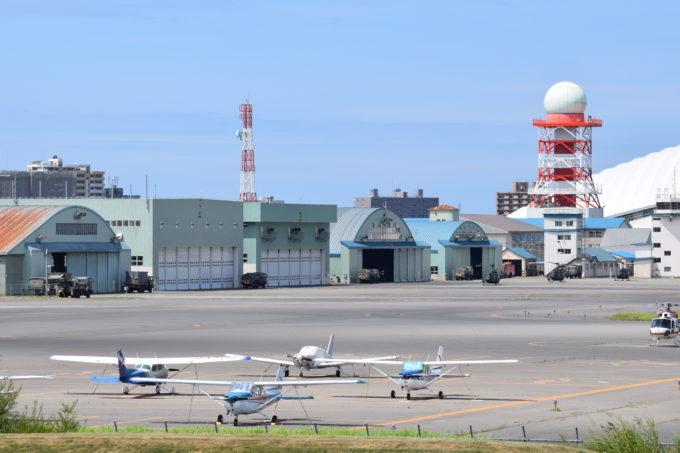 丘珠空港の小型機やヘリコプター