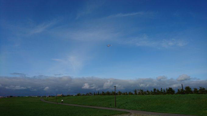 様々なヘリコプターが丘珠空港に降り立ちます。