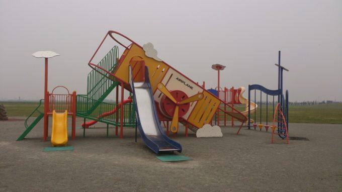 丘珠空港緑地みなみかぜ広場コンビネーション遊具