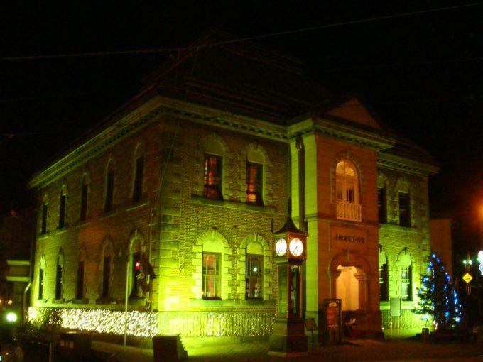 夜の小樽オルゴール堂本館