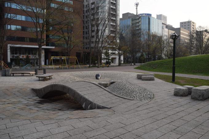 大通公園の遊水路